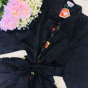 AUTHENTIC CHINESE EMBROIDERED KIMONO STYLE ROBE